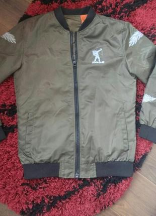 Куртка,бомбер,ветровка