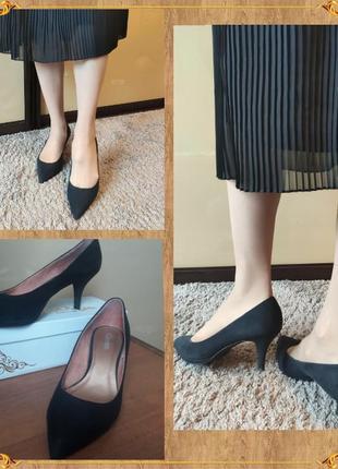 Шикарные туфли острый носок на каблуке  эко замша черные от carina