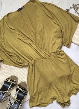 Стильный комбинезон шортами boohoo (s/m)