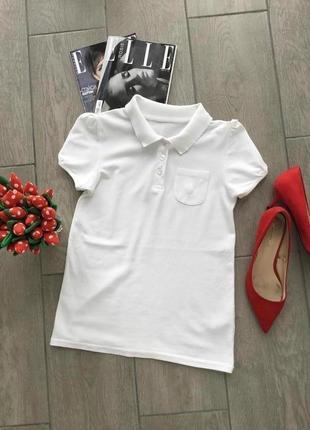 Белоснежная футболка поло с коротким рукавом