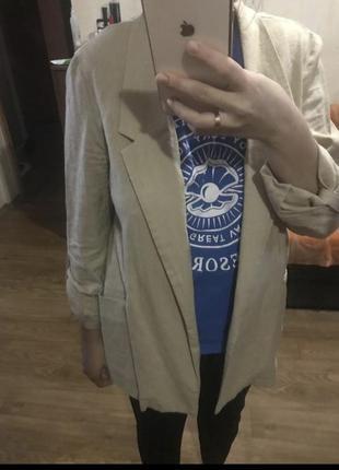 Бежевый льняной пиджак