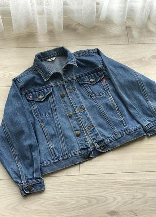 Джынсовая куртка