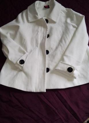Пальто трапеция