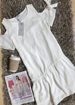 Стильное белое платье свободного кроя от only.
