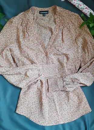Блуза блузка шикарная в мелкий цветочный принт цветок цветочек пудра пудровая декольте