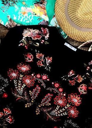 Очень красивая блуза zara размер m!