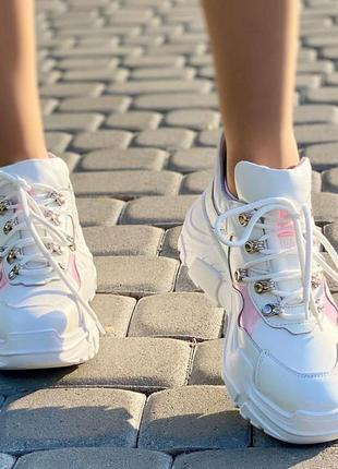 Белые кроссовки полностью из натуральной кожи
