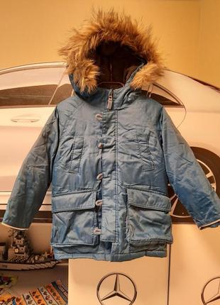 Очень крутая зимняя куртка gap, на 4 года
