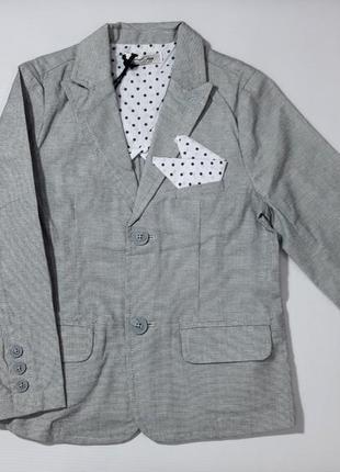 Крутой пиджак для джентльмена 2 лет