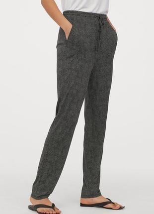 Трикотажные джогеры с талией на резинке и кулиске брюки в горох
