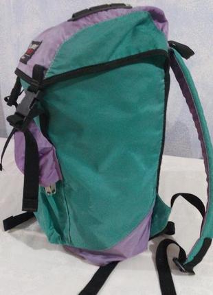 Невеликий жіночий туристичний рюкзак1 фото