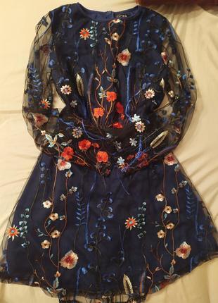 Неймовірна сукня міні з вишивкою
