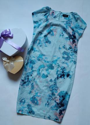 Легкое платье прямого кроя