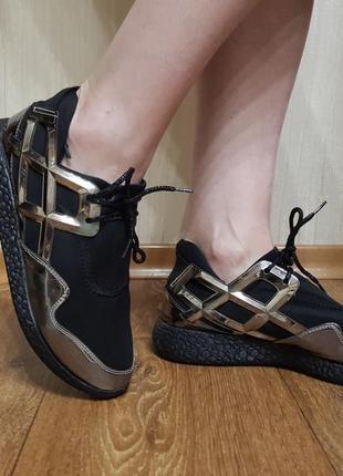 Кроссовки черно-серебренные