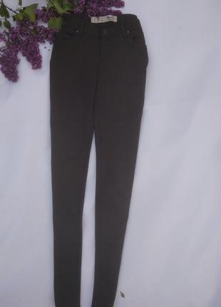 Лосини, брюки темно-зеленого цвета