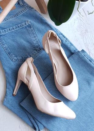 Кремовые туфли asos