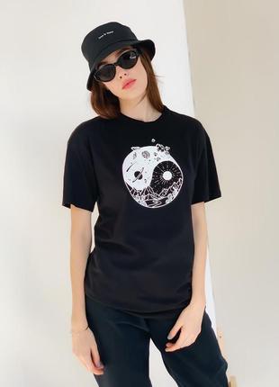 Свободная футболка с принтом