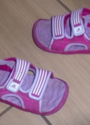 Adidas босоножки 23 р
