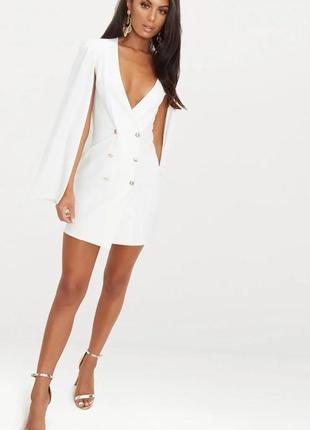Новое  белое платье блейзер кейп с пуговицами