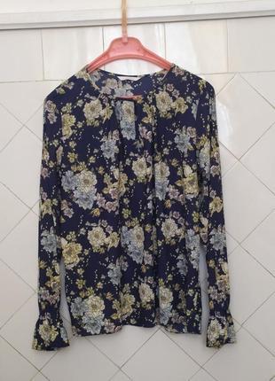 H&m.блуза темно синяя в цветочный принт