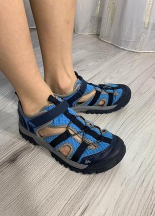 Качественные сандали бренда quechua