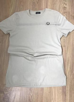 Натуральная удлиненная мужская футболка