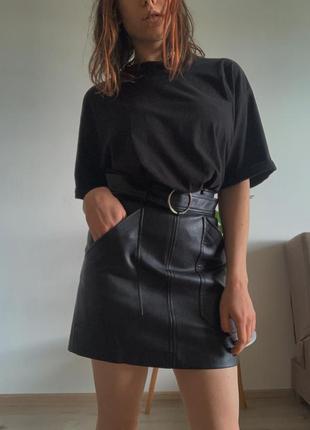 Мини юбка stradivarius под кожу