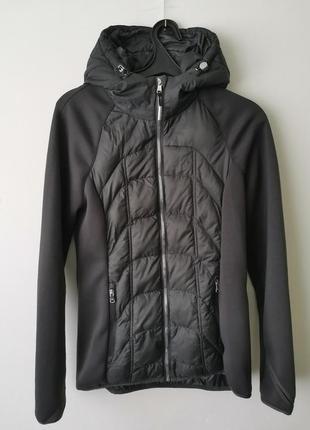 Куртка легкая в спортивном стиле с капюшоном