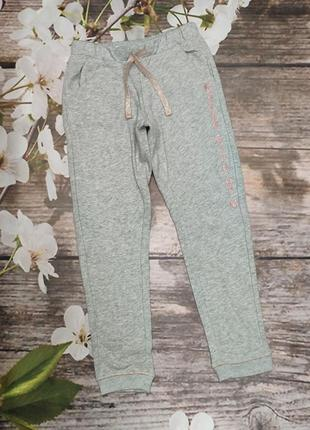Спортивные штаники на девочку kiabi
