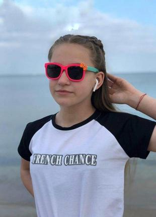 Детские солнцезащитные очки1 фото