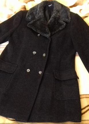 Женское шерстяное пальто от yessica by c&a. размер ххл,