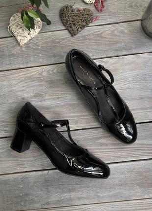 Mint&berry лакированные туфли с т-образным ремешком