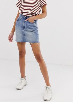 Pull&bear джинсовая юбка светлая прямая летняя стильная с потертостями 38 м
