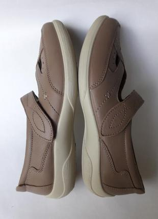 Padders нові повністю шкіряні туфлі на ширшу ногу (24, 5 см)