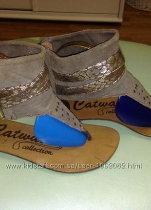 Классные фирменные босоножки-гладиаторы catwalk р. 13uk-20, 5см.