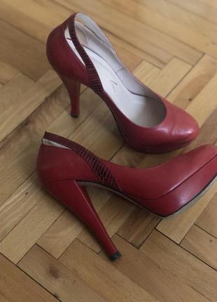 Очень крутые туфли