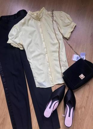A.m.n. amnezia! красивая рубашка блузка с коротким рукавом лимонного цвета