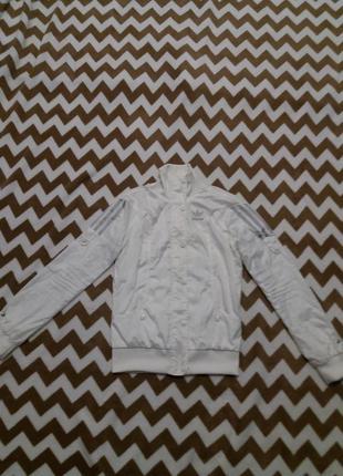 Куртка-ветровка адидас