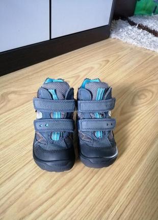 Демисезонные ботинки ecco light  для малыша 🥾