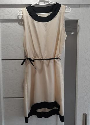 Красивое молочно-черное платье