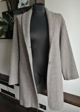 Шерстяное серое пальто