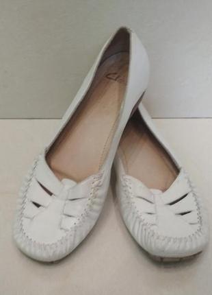 Элегантные и очень удобные туфли бренда clarks.