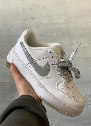 Nike air force 1 reflective шикарные женские кроссовки найк белые рефлектив6 фото