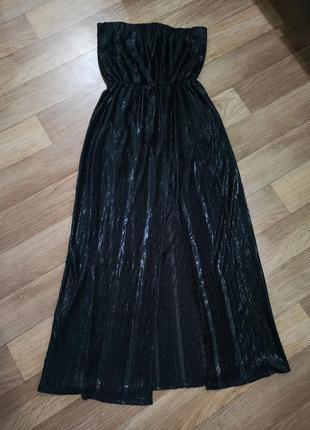 Чорне вечірнє плаття з розрізом спереду збоку. колір, як на 1 фото