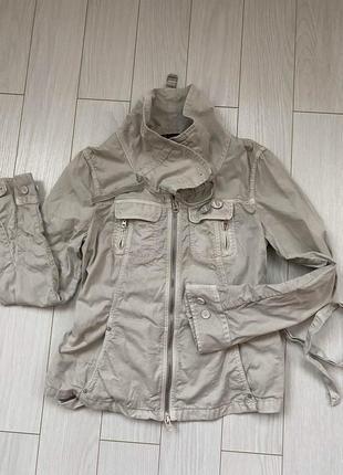 Курточка ветровка р.s