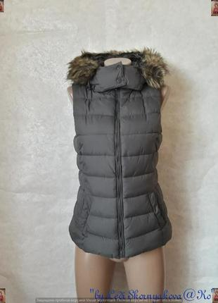 Фирменная chicoree стильная жилетка с утеплителем с мехом под енота, размер с-м1 фото