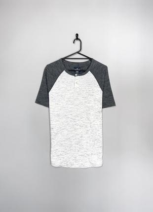 American eagle чудова футболка на літо в сірих тонах