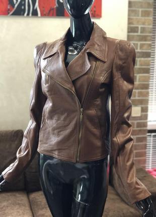 Кожаная коричневая курточка-косуха rinascimento