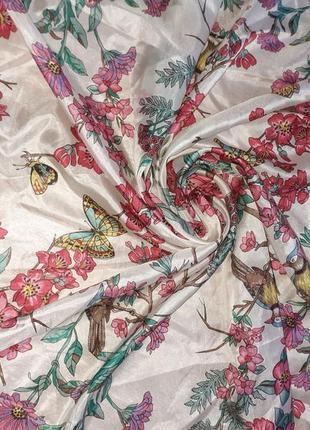 Нежный шелковый платок 100% шелк /89*92 см
