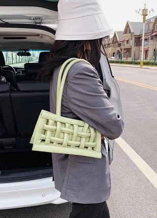 Трендовая сумка 2020 плетенный багет